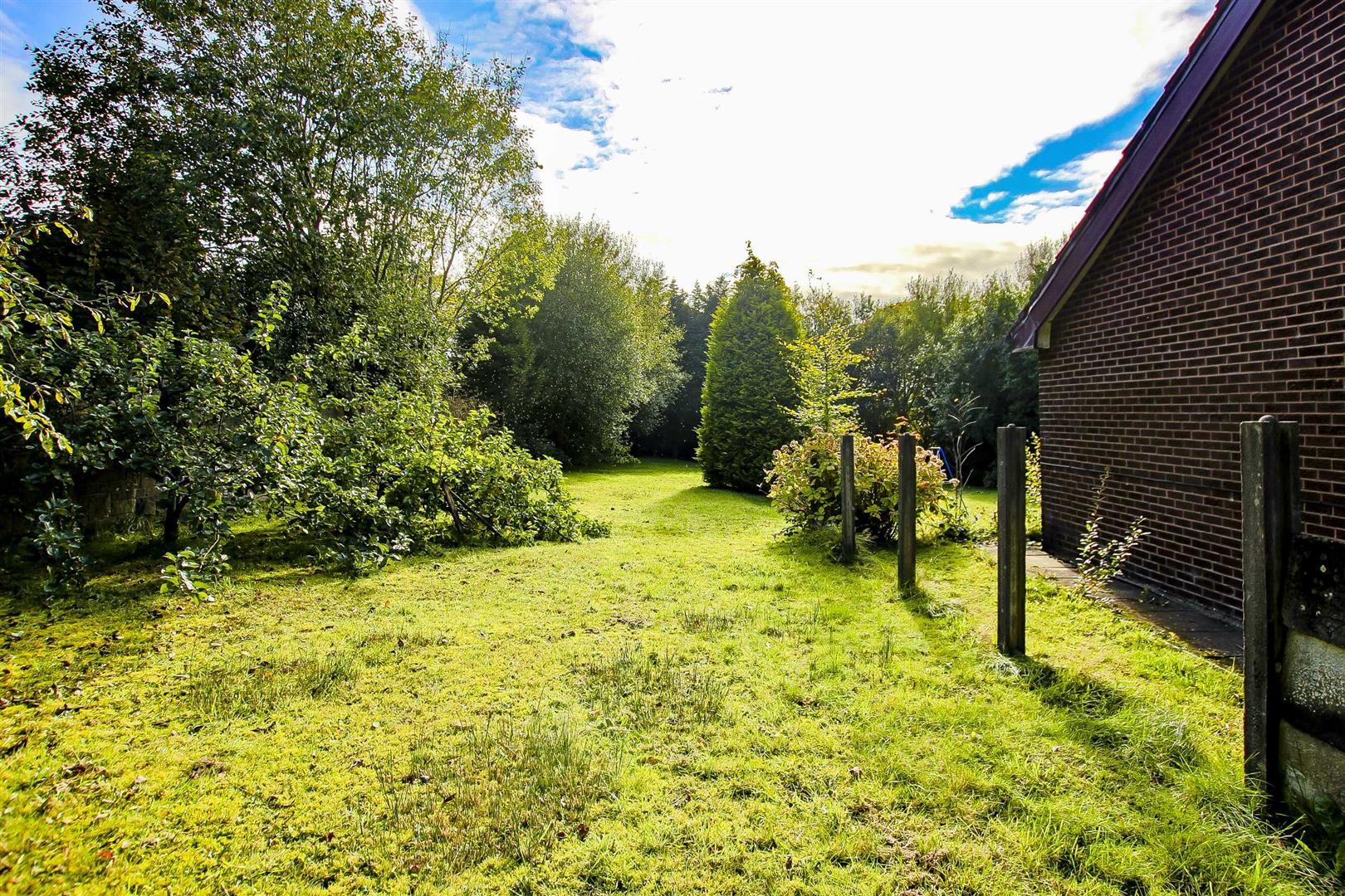 5 Bedroom Building Plot Land For Sale - Image 10